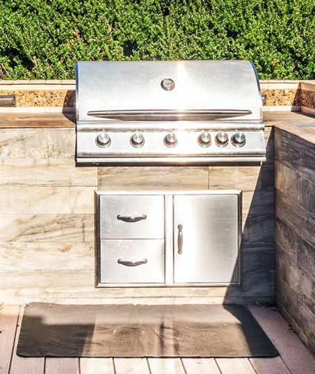 Evergreen Lawncare and Landscape Inc. Outdoor Kitchen Services